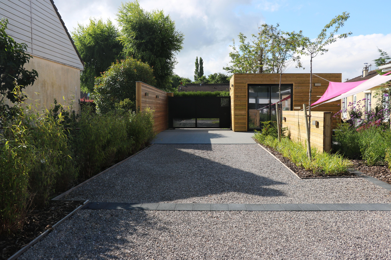 Aménagement paysager d'un accès maison